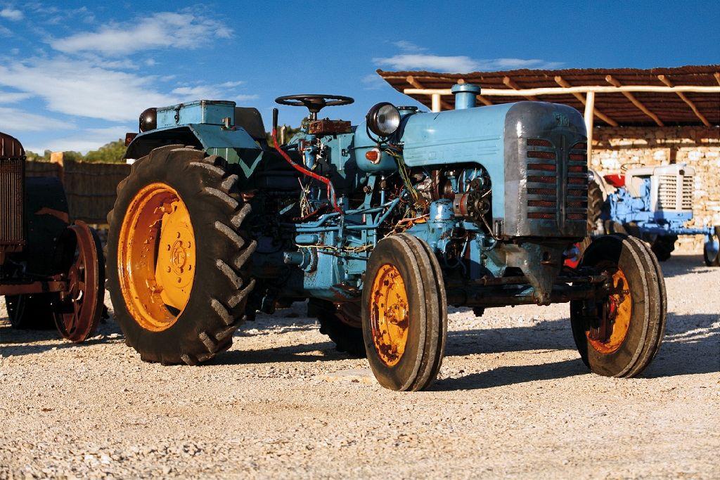 то, картинки всех тракторов ссср учиться